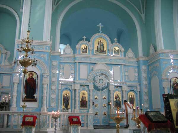 Иконостас храма Рождества Богородицы (Козельщанский монастырь)